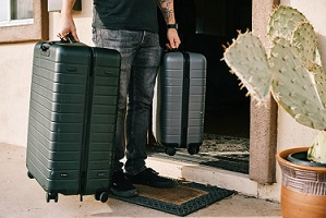 Luggage for travelling is a good gift idea